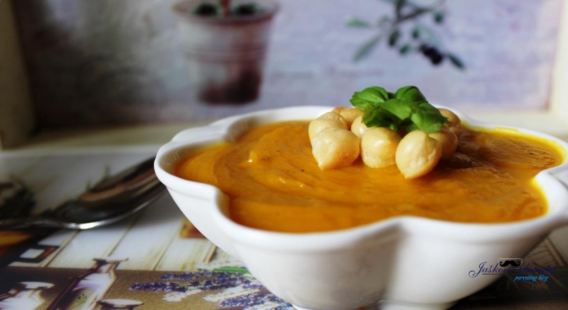 Zupa dyniowa-krem z lubczykiem
