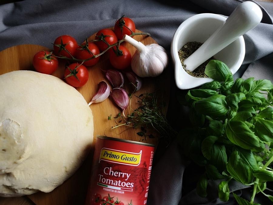 jak zrobić domową pizzę
