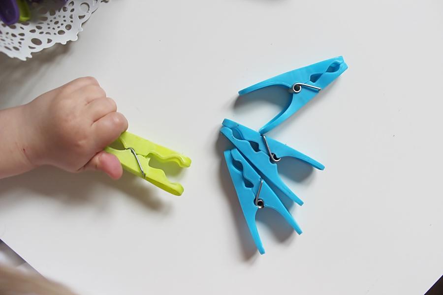15 zajęć i zabaw usprawniających rozwój dłoni i motoryki małej