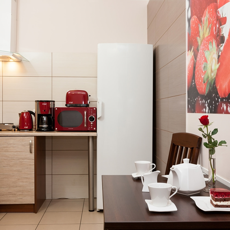 Zdjęcie kuchni pobrane ze strony http://willarenata.pl/apb-room-type/pokoj-dwuosobowy/ niestety sformatowałam kartę na której miałam wnętrza pensjonatu