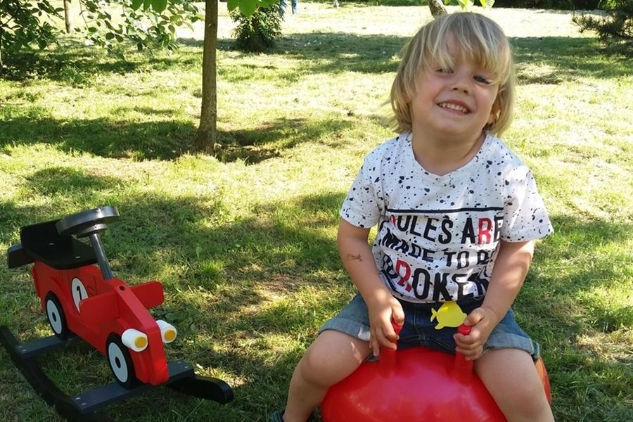 35 pomysłów na wakacyjne zabawy z dziećmi na dworze (8)