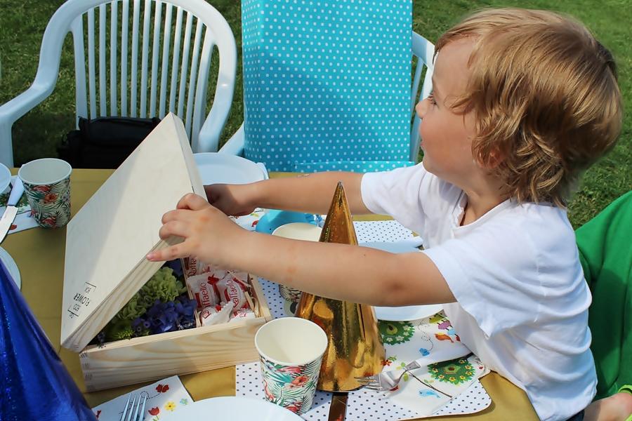 35 pomysłów na wakacyjne zabawy na dworze z dziećmi