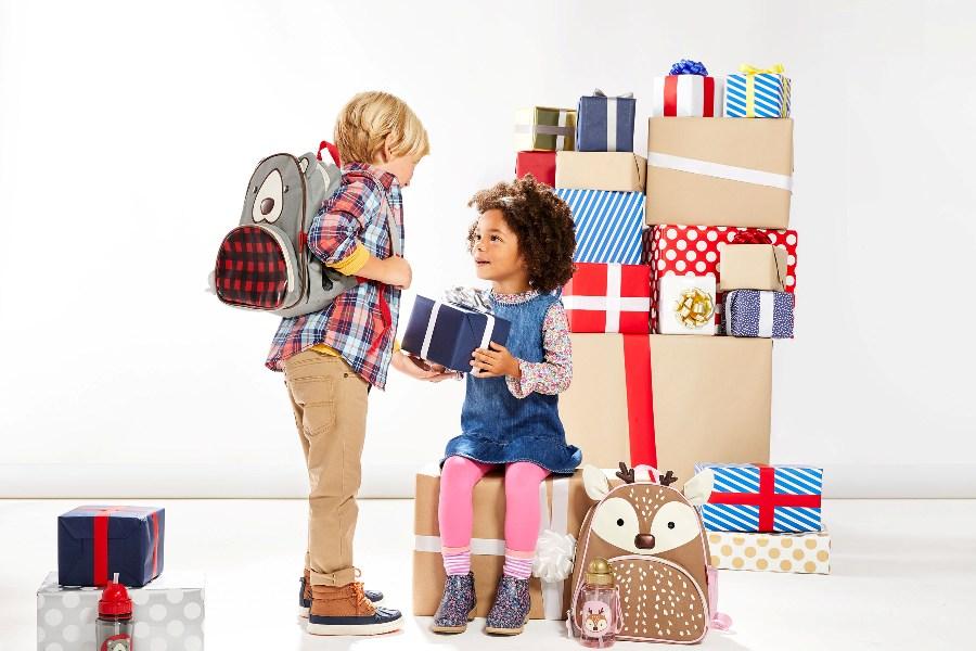 02448b114d33aa Co pod choinkę?–Pomysły na prezenty dla dzieci. źródło zdjęcia:  https://issuu.com/skipwish/docs/inspiracje_swiateczne_2017