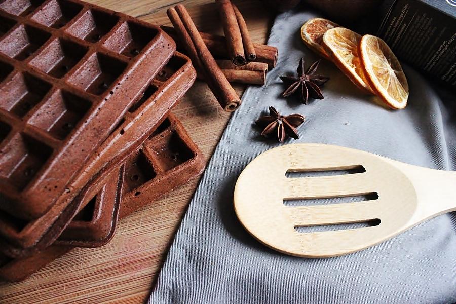 Chrupiące gofry czekoladowe