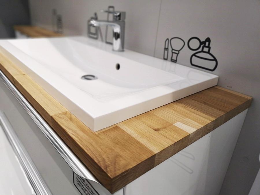 Umywalka w blacie w małej łazience
