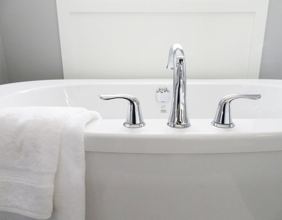 Mniejsze sanitariaty w małej łazience
