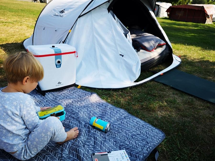Wakacje pod namiotem z dziećmi