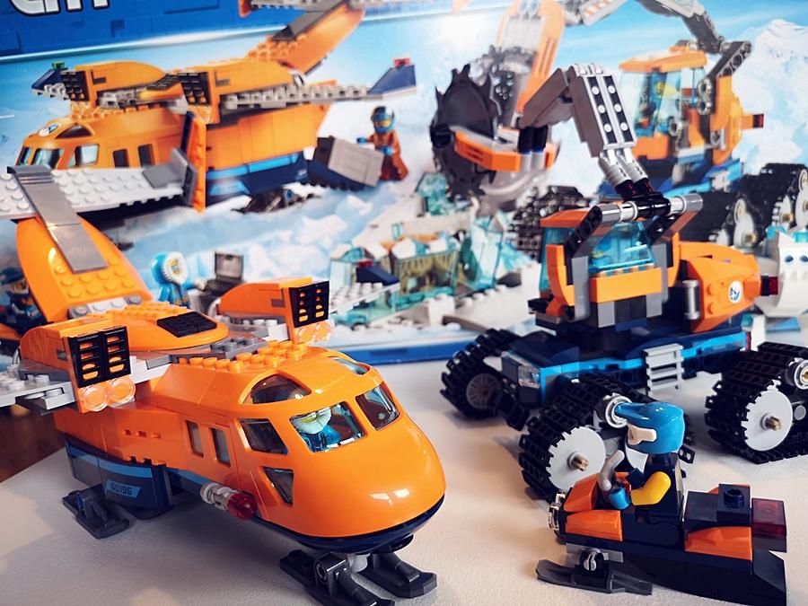 """Lego na śięta Lego Arctic """"Arktyczny samolot dostawczy"""""""
