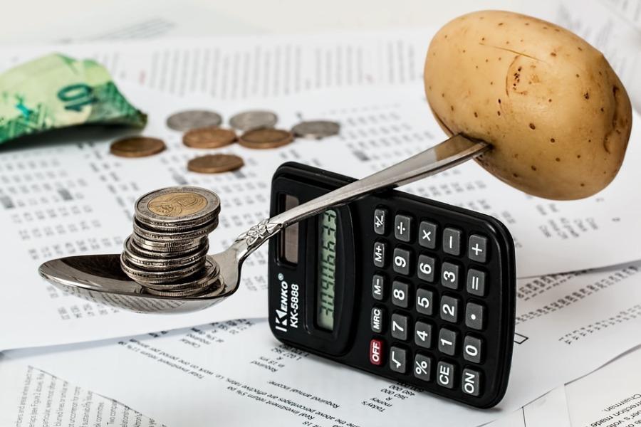 Jak oszczędzać na co dzień i zadbać o domowy budżet? Domowe oszczędzanie