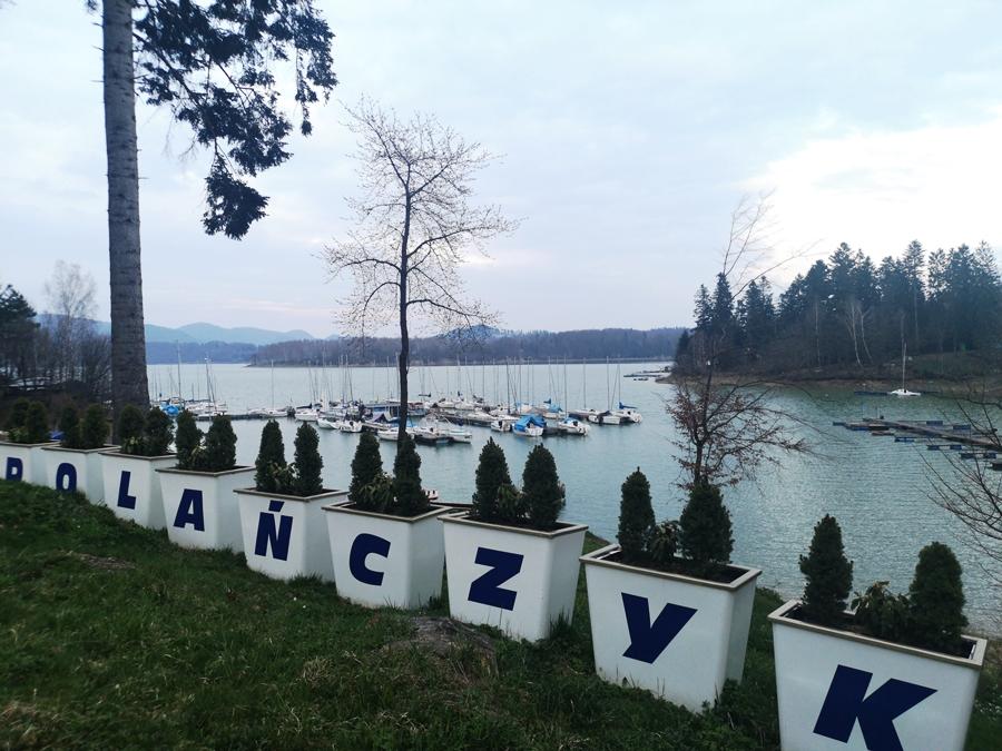 trasy spacerowe i przystań w Polańczyku