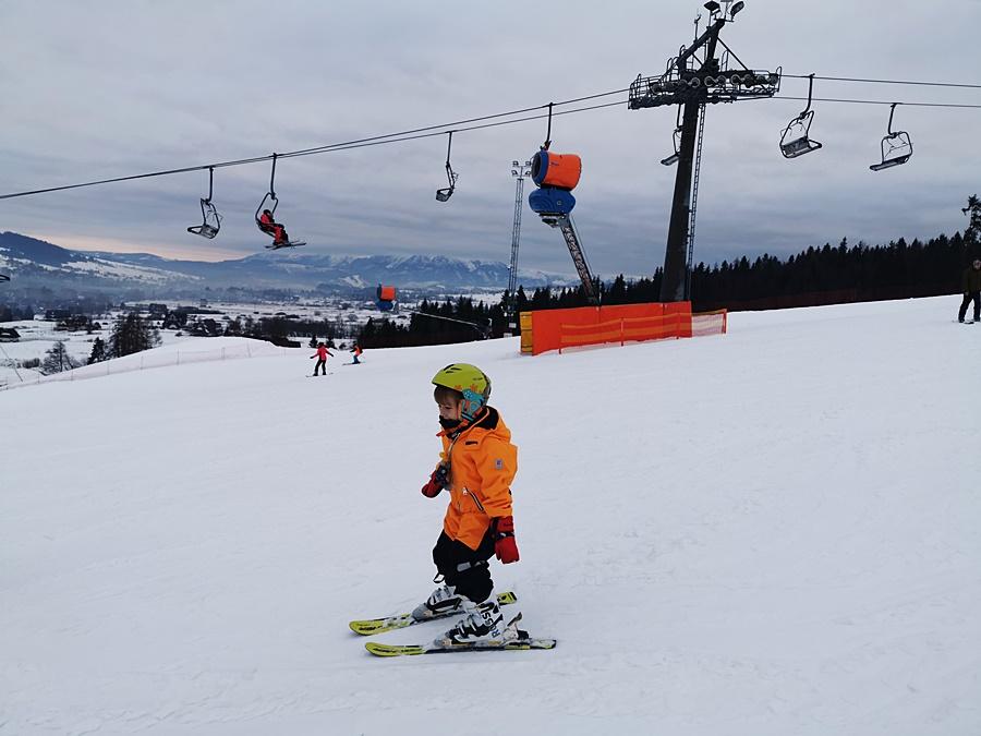 od kiedy dziecko moze jeżdzić na nartach