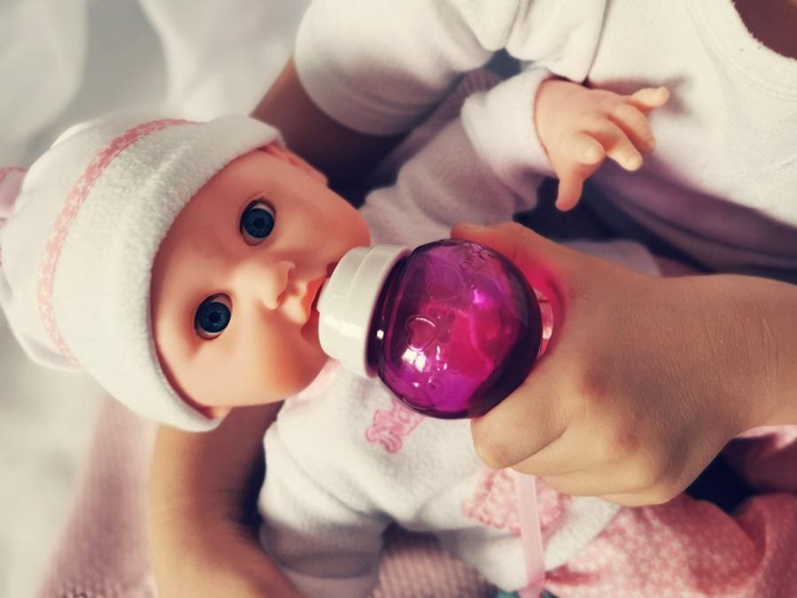 Jaką lalkę na gwiazdkę dla małej dziewczynki