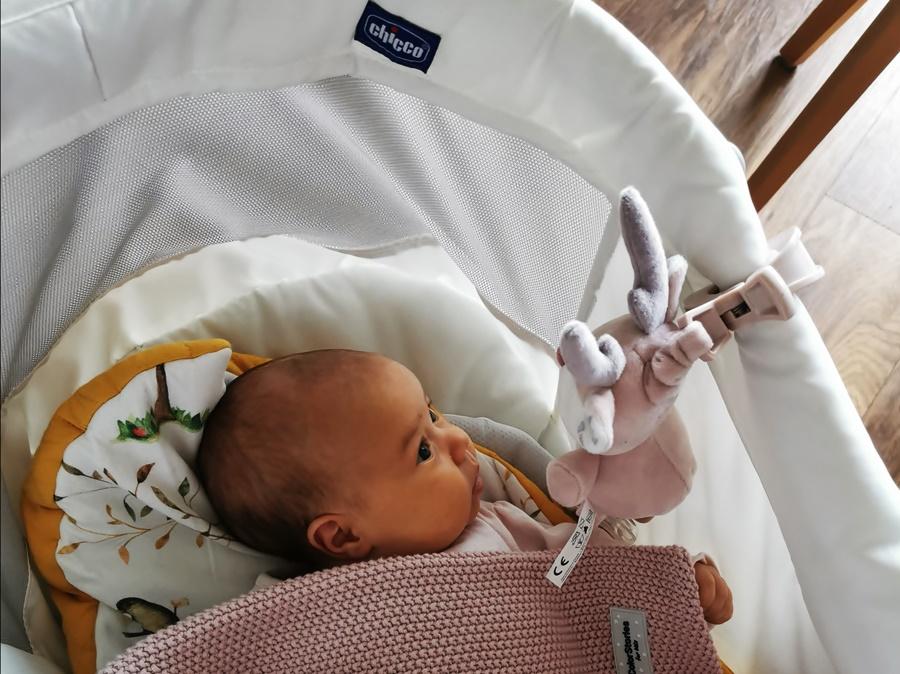 Baby Hug niczym kameleon, zmienia się dostosowując do rozwoju potrzeba dziecka.