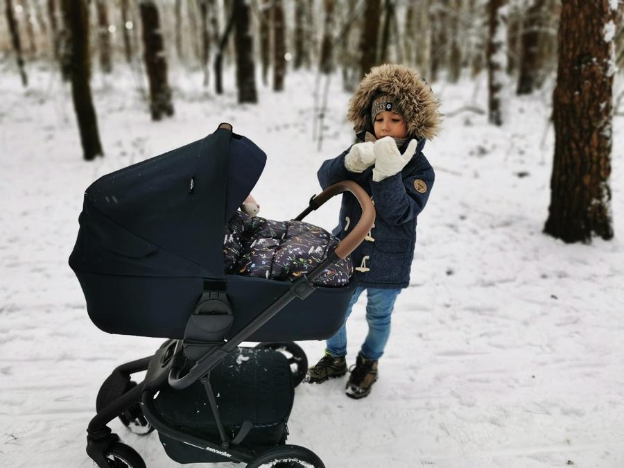 Czym wyróżnia się wózek Easywalker Harvey² Premium lekka aluminowa rama